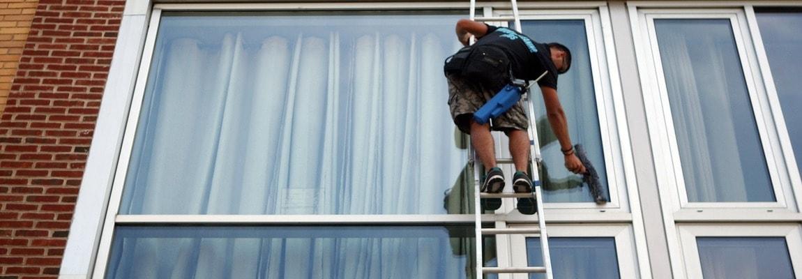 mojka-fasadov-okon-vitrin-vyvesok-2-1150h400-min